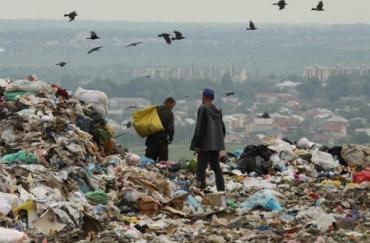 Вонь ужасная! В Ужгороде закрывают единственную мусорную свалку