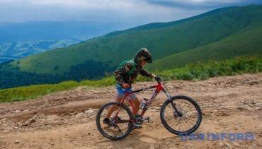 Закарпаття — рай для туристів, які полюбляють велоподорожі