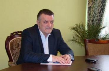 """Закарпатський депутат роз'яснив ситуацію з перевізниками та """"посилками"""" на українсько-угорському кордоні"""