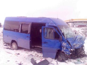Автобус со школьниками попал в смертельное ДТП под Киевом