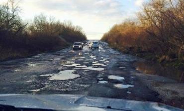 Дороги на Закарпатье около границы с Венгрией в ужасном состоянии