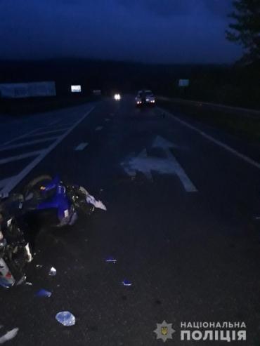 В Закарпатье мотоциклист разбился об иномарку