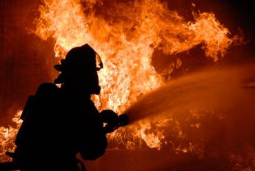 В Закарпатье бушующий огонь забрал жизнь человека