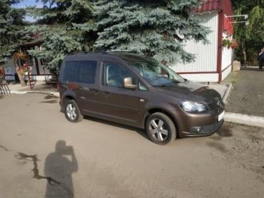 В Закарпатье на границе водителя оставили без новенького автомобиля