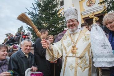 Епископ Милан Шашик попал в аварию за границей: Новые подробности