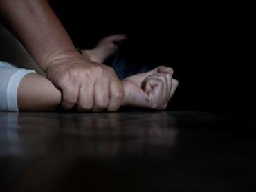 Полиция покрывает: Девочку-подростка из Закарпатья изнасиловали 6 человек, а после чего хладнокровно убили