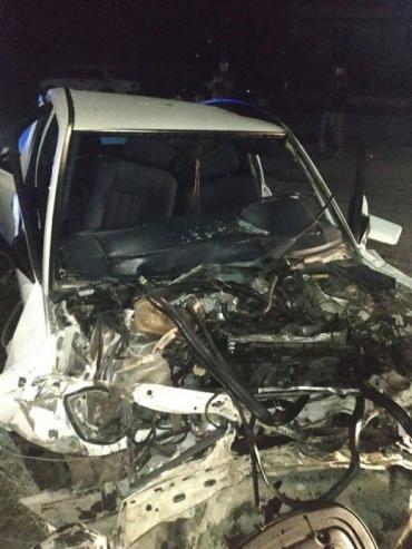 ДТП с «Mercedes» на Закарпатье: 29-летний водитель погиб на месте, пассажир в больнице