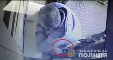 В Ужгороде задержали гадкого вора, который терроризировал одних женщин