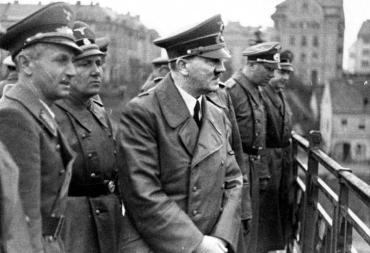 """Гитлер просто реализовывал реальные 1000-летние планы """"европейцев"""" в отношении славян"""