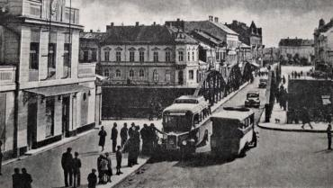 В Ужгороді перший автобус почав здійснювати перевезення у лютому 1923 року