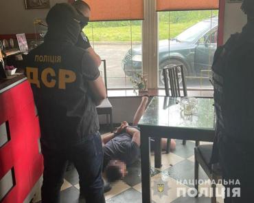 Просил авторитета выбить долг: Местному бизнесмену в Закарпатье грозит 7 лет тюрьмы