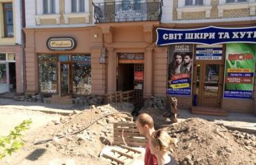Площа Петефі, як уособлення безгосподарності чинного мера міста Ужгорода
