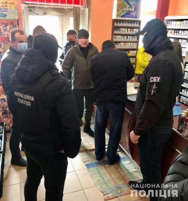 Бежали за помощью к соседям: В Закарпатье решили ближайшую судьбу похитителя нелегалов