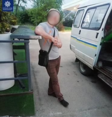 Как в Ужгороде аферист пытался перехитрить работника обменника с деньгами