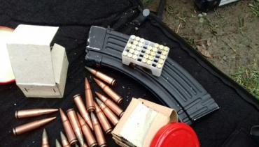 Украинские пограничники совместно с полицией задержали двух вооруженных браконьеров