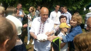 Найбільша й найтвердіша грудка сиру вийшла в губернатора Закарпаття Москаля