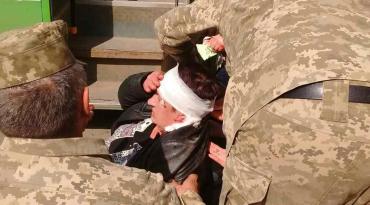 В Ужгороде женщина в общественном транспорте поранила голову