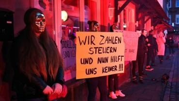 Проститутки немецкого Гамбурга требуют открытия публичных домов