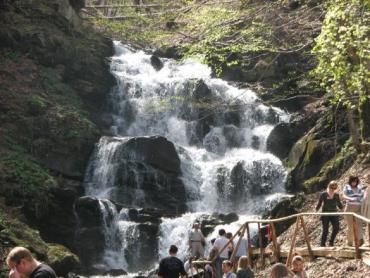 В Закарпатье приватизируют знаменитый водопад Шипот
