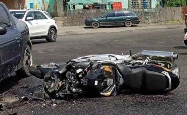 ДТП с пострадавшими на Закарпатье: Иномарка превратила мотоцикл в металлолом