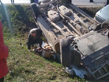В Закарпатье с утра столкнулись две машины: Есть пострадавшие