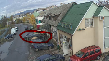 Припарковался: В Закарпатье видеокамеры зафиксировали масштабное ДТП