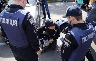 """В Закарпатье сотрудникам полиции """"начистили фейсы"""""""
