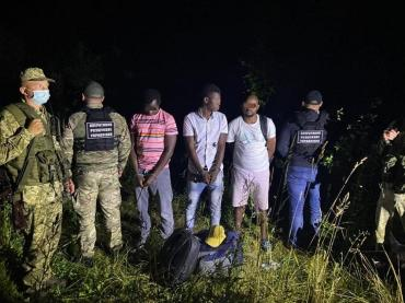 Возле Ужгорода пограничники устроили настоящую засаду преступникам