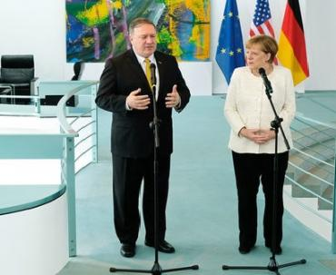 В Германии Помпео и Меркель думали, что делать с Украиной после 5 лет Порошенко