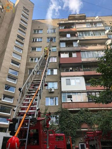 В Ужгороде жителей многоэтажки срочно эвакуировали