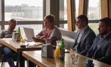 """""""Save Фоп"""" зібрав разом в Ужгороді підприємців, політиків і небайдужих городян"""