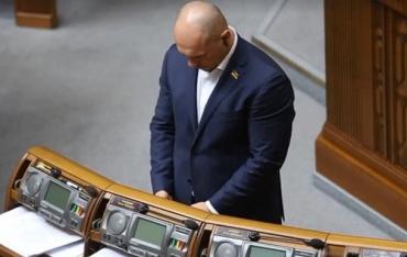 Мужчине задницей сели на лицо: Депутата поймали на просмотре порно во время голосования в Раде