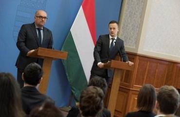 """Венгрия готова согласиться с украинским законом """"Об образовании"""""""