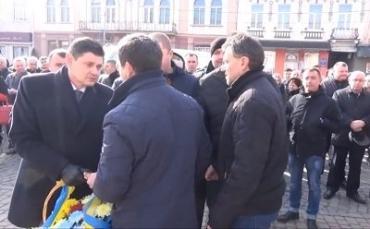 Скандальная церемония чествования памяти Героев Небесной Сотни в Тячево