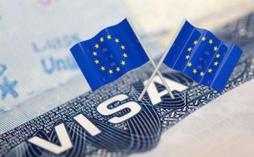 Будьте осторожны: В Ужгороде предупреждают о компании, которая подделывает документы на визы