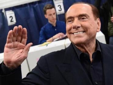 Сильвио Берлускони возвращается в большую политику Италии