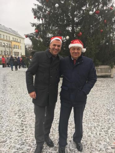 Михаил Ривис и Геннадий Москаль : Желаем здоровья, добра и благополучия, согласия и любви вашим семьям!