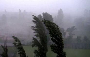 Закарпатье обещает накрыть гроза с дождем и сильным ветром