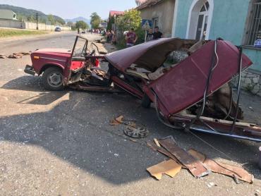 Закарпаття стало місцем жахливої ДТП — автомобіль просто розірвало