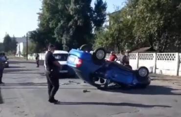 """Дорожная авария в Закарпатье послало одну из машин в """"нокаут""""!"""