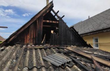 В Ужгороде жилой дом мог сгореть дотла