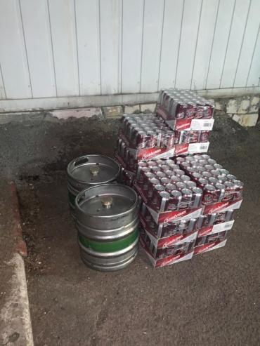 В Закарпатье сотни литров пива конфисковали от водителя