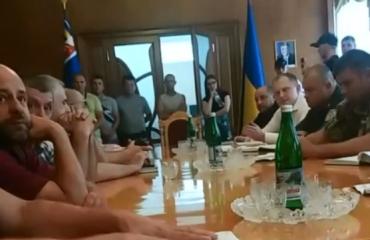 """Закарпатські """"євробляхери"""" зустрілися з Геннадієм Москалем"""