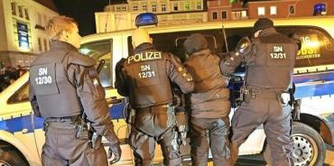 У 6 украинцев в Германии полиция изъяла почти 30 тысяч евро и фальшивые документы