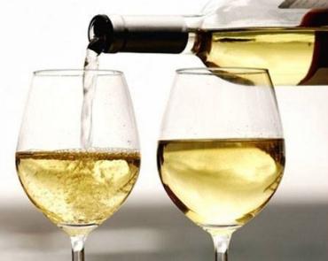 """Берегово приглашает ценителей солнечного напитка на 16-й фестиваль """"Белое вино"""""""