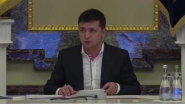 Владимир Зеленский публично уволил председателя ОГА в Закарпатье