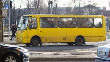 В Ужгороде пассажир маршрутки вылетел из автобуса: Состояние тяжелое