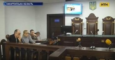Не хватает судей, дело передали во Львов: Врача из Хуста обвиняют в смерти матери 3 детей