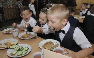 Сумновідома Супрун про те, як заохотити дитину вживати здорову їжу у школі