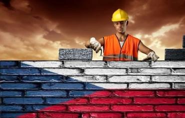 Работа + вид на жительство: Чехия собирается увеличить число украинских работников